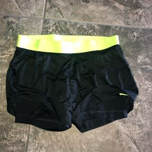 Nike Pros Athletic Shorts with Biker Shorts Small